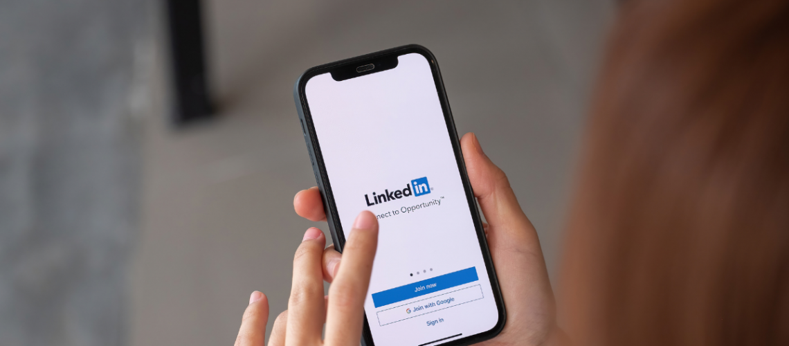 LinkedIn Ads - The Pros & Cons